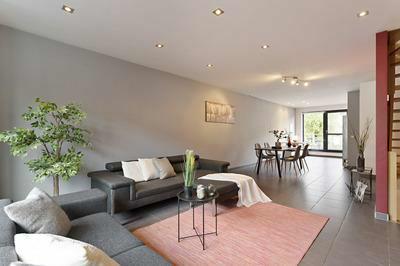 Verkocht - Mooie recente 3 slk woning met garage en tuin