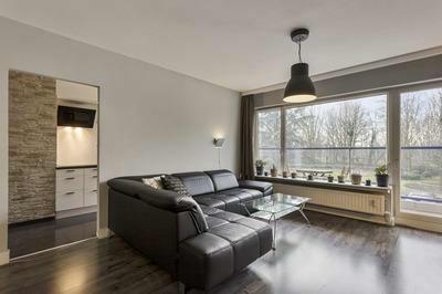 VERKOCHT - Mooi 2 slk appt met terrassen te Berchem