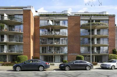 Gerenoveerd appartement met groen uitzicht