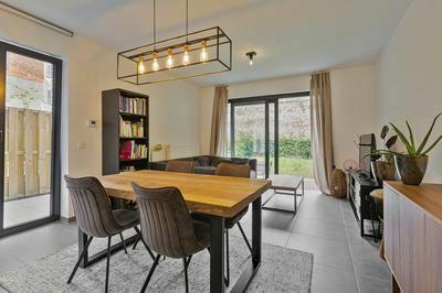Modern gelijkvloers appartement te koop