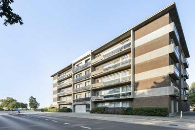 Modern appartement met drie slaapkamers te koop
