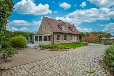 Landelijke villa te koop!