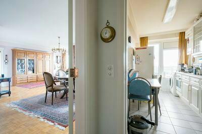 Op te frissen appartement met 2 terrassen & een prachtig uitzicht