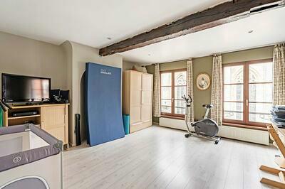 Commercieel pand met mooie duplex en 2 terrassen
