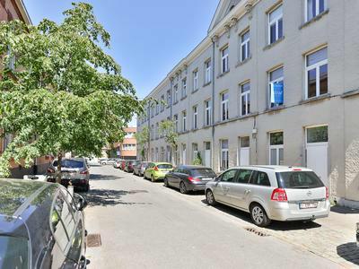 Gezellig rijhuis in rustige straat Seefhoek