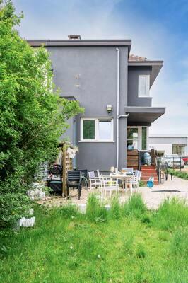 Half open woning met tuin in Kapellen