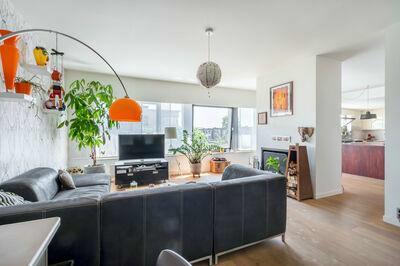 Groot appartement vlakbij tramhalte op Linkeroever