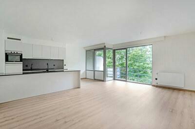 Gerenoveerd luxe appartement met 2 slaapkamers
