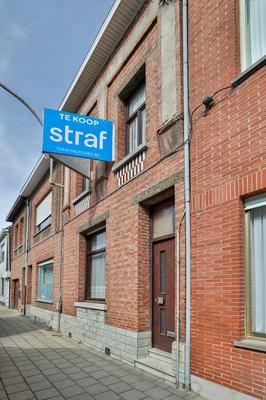 Huis in Laarstraat 142, 2070 Zwijndrecht