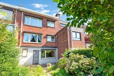 Ruime bel-etage met tuin in Wilrijk