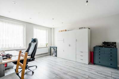 Instapklare woning met garage in Deurne