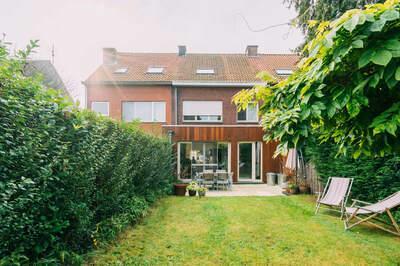 Groot instapklaar huis met tuin en garage in Ekeren